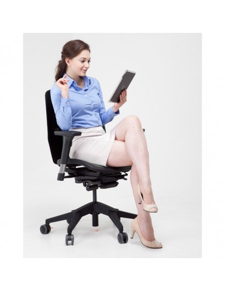 Кресло DUOREST Alpha A80H для руководителя, ортопедическое, цвет черный
